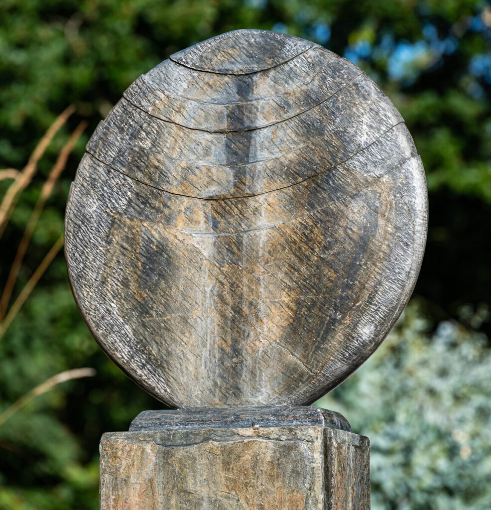 Caviara On Surmi Slate Plinth