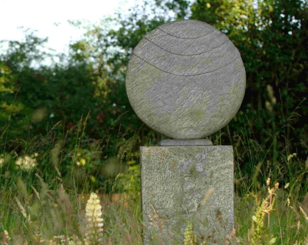 Caviara 50 Natural Slate Sculpture on Surmi Plinth