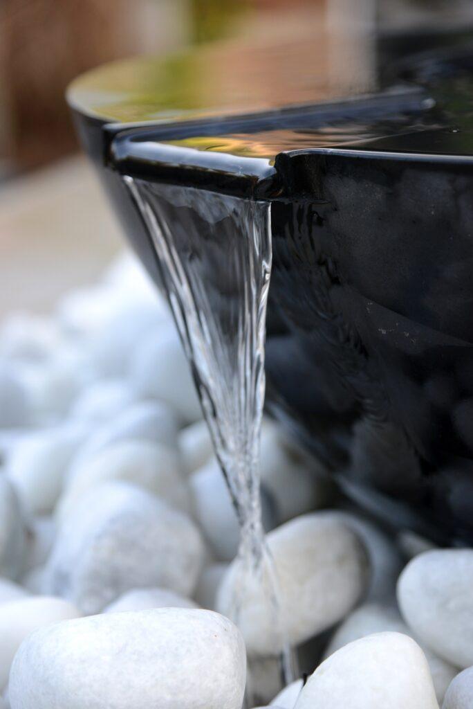 Mortar Noire 70cm Pebble Pool Water Sculpture Kit