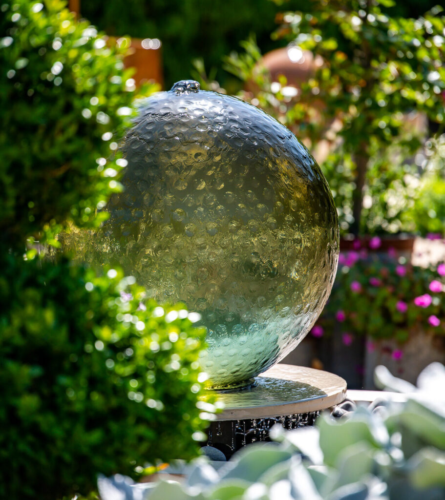 Hebe glass garden water feature