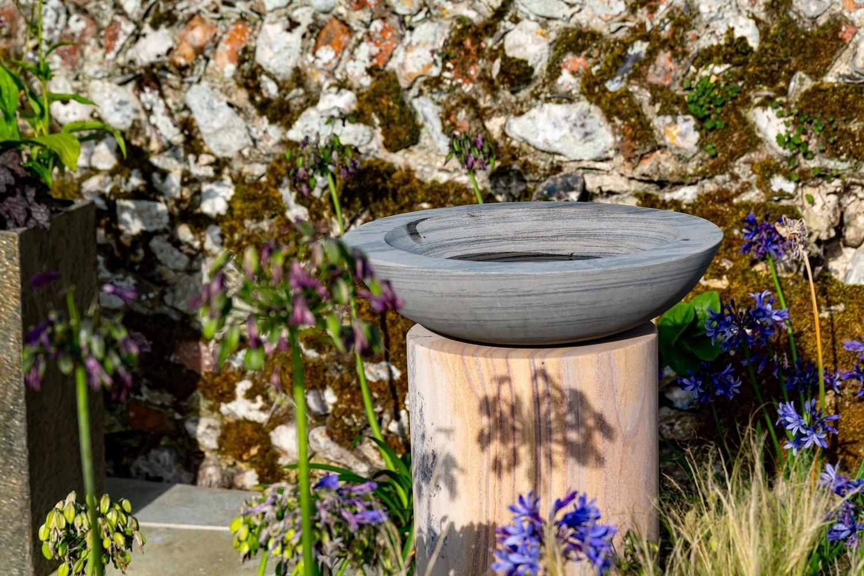 Acorn Bowl on PLinth