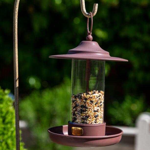 Rowen bird feeder