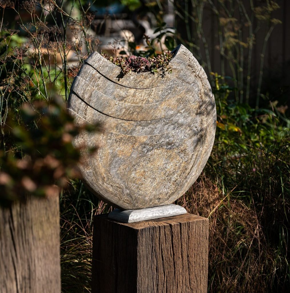 Ikra natural slate vase on oak plinth
