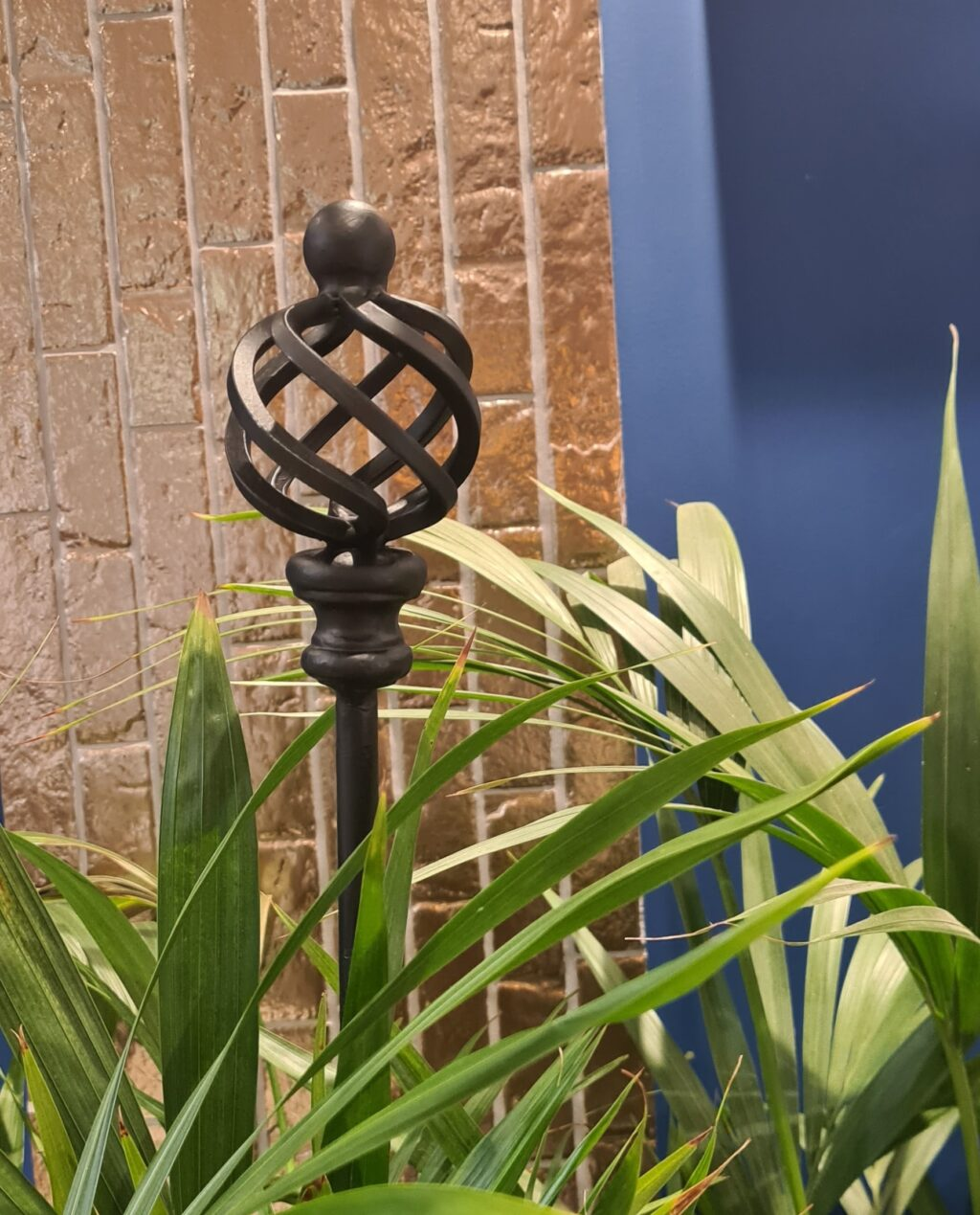 Spire garden stake