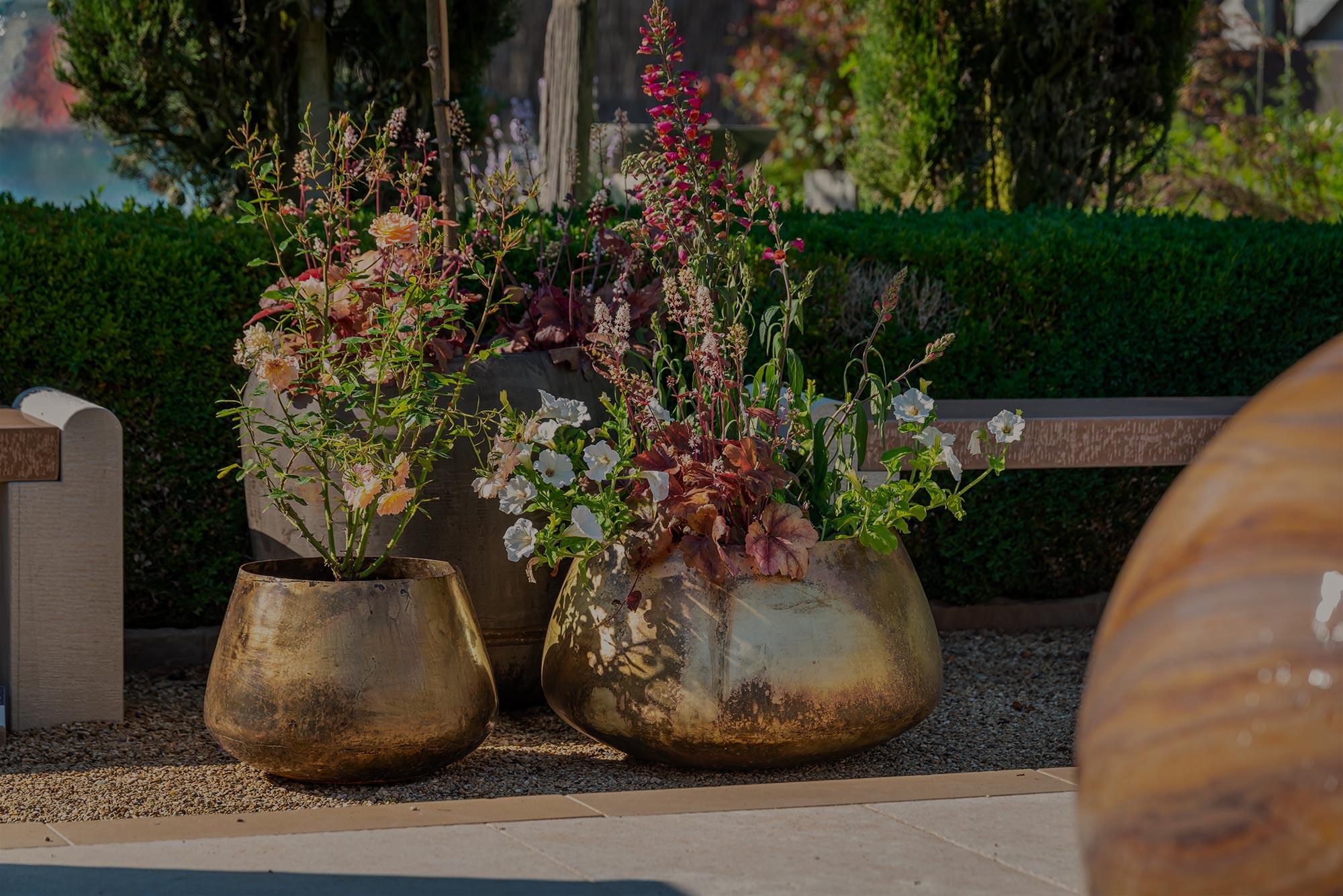 Zafar vintage planter